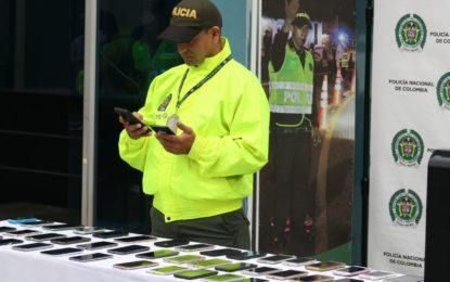 Policía recupera 60 celulares que habían sido robados en Cali