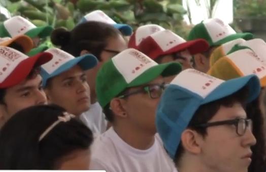 80 jóvenes recibieron becas totales de educación superior en Cali