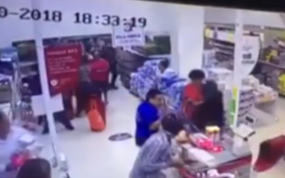 Capturados presuntos asaltantes de tiendas D1 en Cali