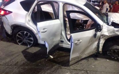 Fiscalía investiga muerte de dos personas y 5 más heridas en accidente de tránsito