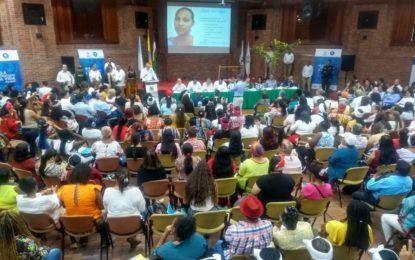 Durante mesa de protección a mujeres en Cali, suspenden a alcalde de Tierrra Alta