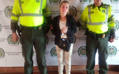 Capturada en Cali falsa teniente de la Policía dedicada a la estafa