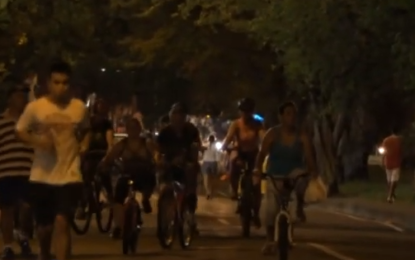 30 mil caleños hacen ciclovía nocturna