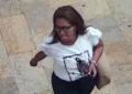 Autoridades buscan a la ladrona de bolsos en establecimientos comerciales de Cali