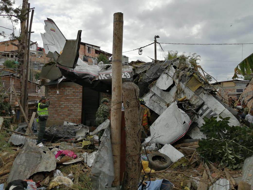 Tragedia: 7 personas murieron tras desplomarse una avioneta en popayán