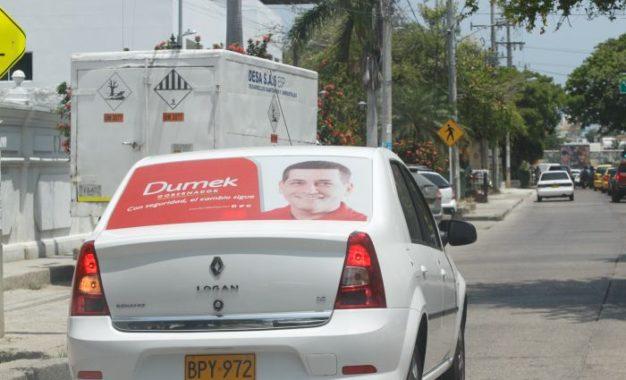 Regulan en Cali publicidad política en vehículos
