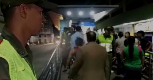 Una mujer fue enviada a la cárcel por hurtar un celular en el MIO