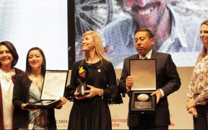 Premio a la labor de Dilian Francisca Toro, la mejor gobernadora del país