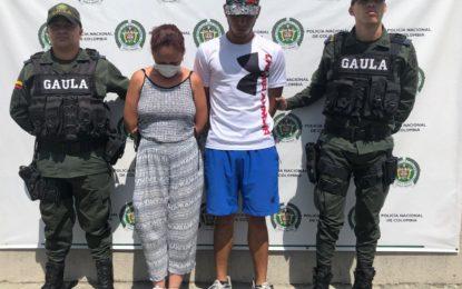 A la cárcel pareja que presuntamente extorsionaba con fotos íntimas a un ciudadano de Bugalagrande