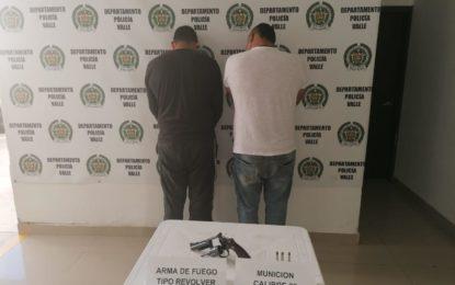 A la cárcel dos hermanos que al parecer portaban ilegalmente armas en una motocicleta en Riofrío