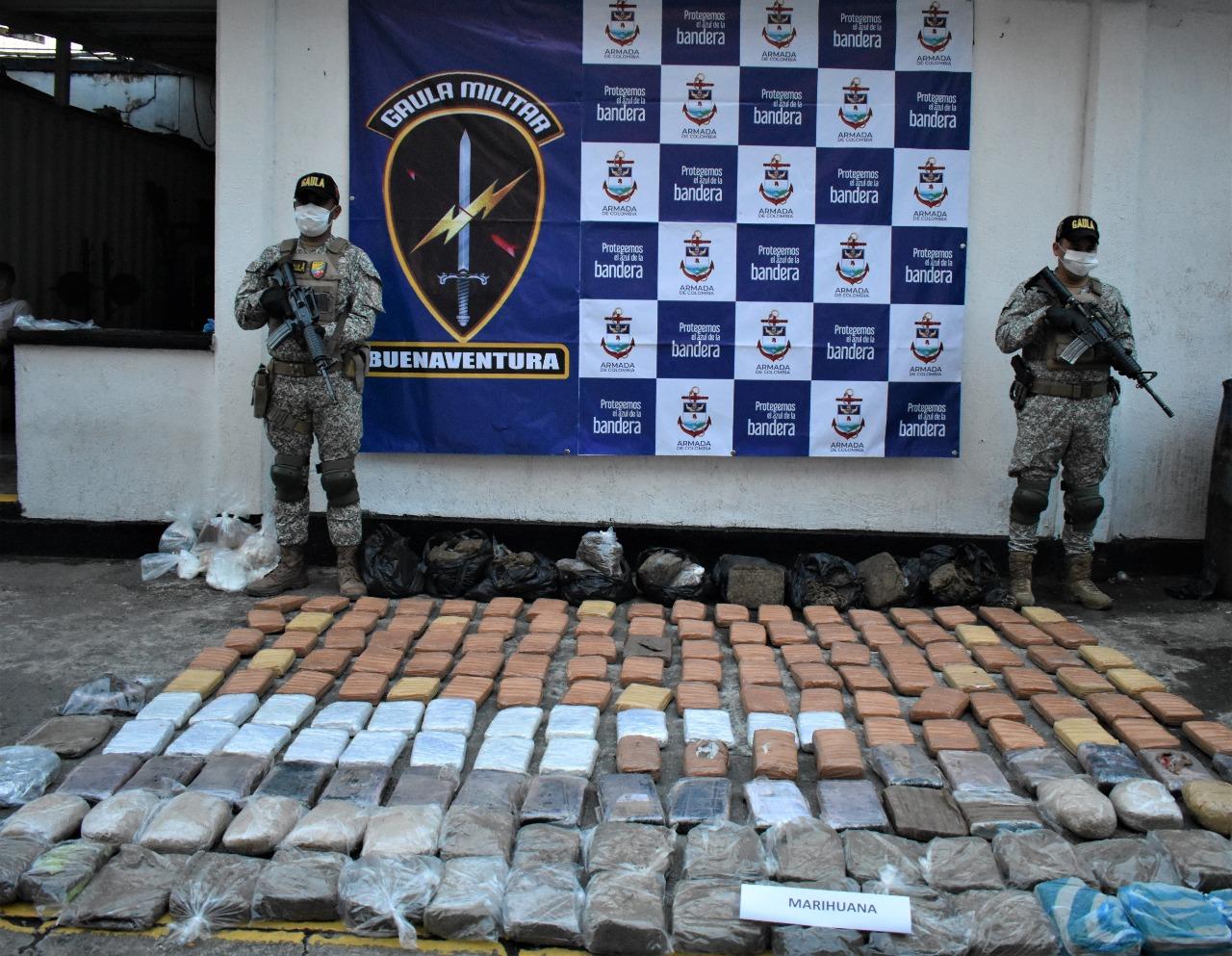 Incautan 140 kilos de alcaloides en sector aledaño a una vivienda de Buenaventura