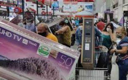 SuperIndustria ordena a comerciantes cumplimiento de condiciones en días sin IVA