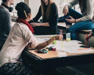 Pilas jóvenes: Cali se queda con veinte mil cupos de 'Jóvenes en Acción'