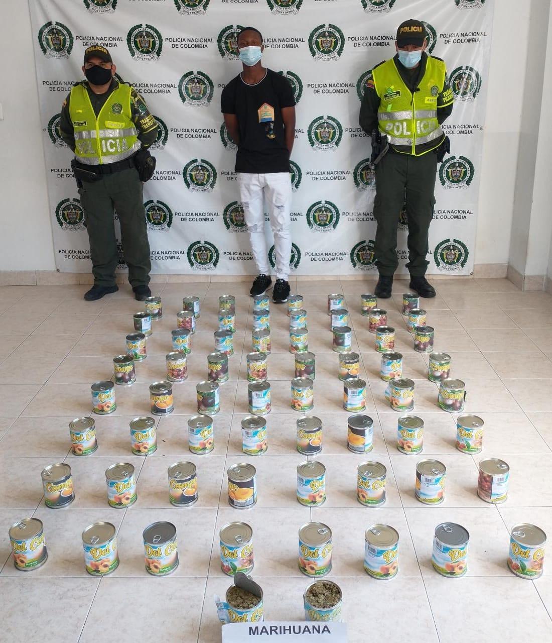 Asegurado por llevar 18 kilos de marihuana en tarros de conservas de fruta