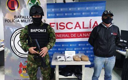 En la habitación de un hotel en Cali fueron hallados 4 kilos de cocaína