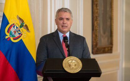 Sí estamos preparados para vacunar a 35 millones de colombianos en 2021: Duque