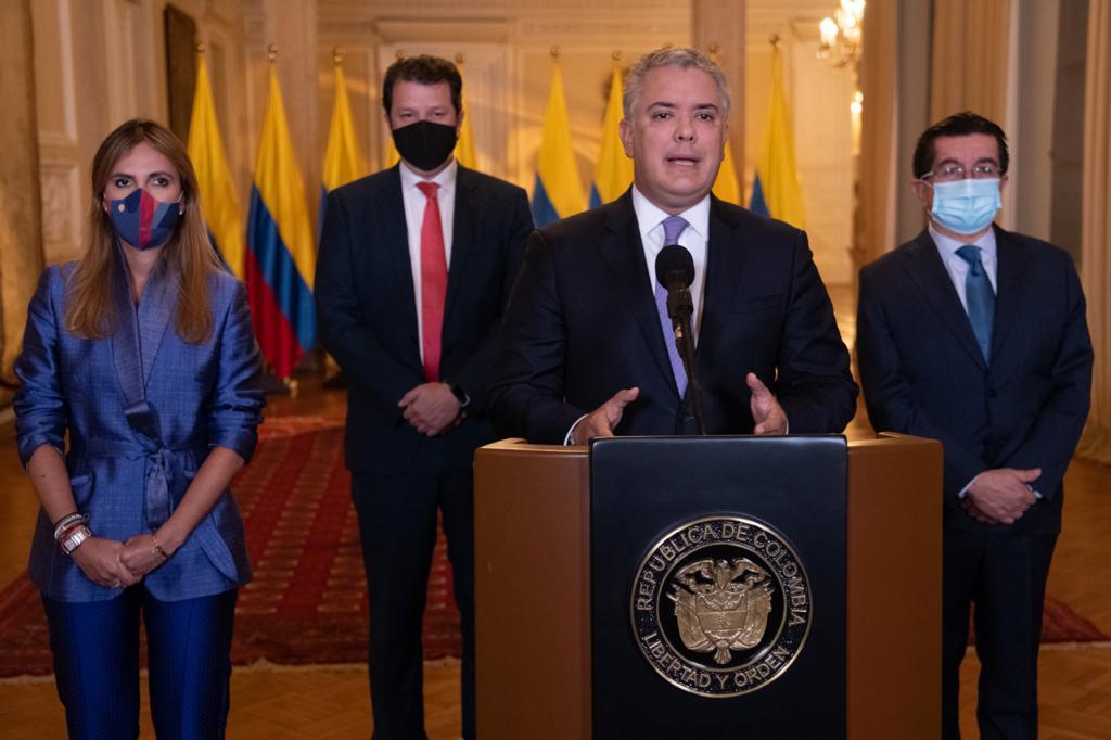 Hoy llega el primer lote de vacunas de Pfizer contra el covid a Colombia