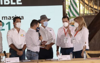 Gobernadora del Valle del Cauca asistió a la Cumbre de mandatarios departamentales