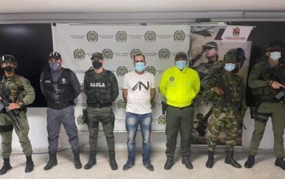 """Capturan a alias Jaime o Víctor, miembro del grupo armado """"Adán izquierdo"""""""