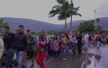 Regularizar a los venezolanos traerá beneficios económicos a Colombia: Planeación
