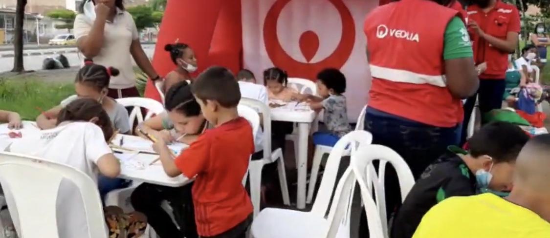 Una empresa de limpieza apuesta por el bienestar de los niños del municipio 13 de Cali